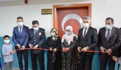 Şehit Polis Memuru Hamdi Dikmen'in Adı Tevfik Memnune Gültekin İlkokulu Kütüphanesinde Yaşatılacak