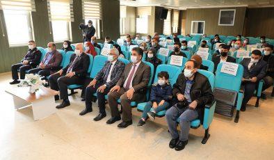Başkan Güder'den Dereceye Giren Öğrencilere Sürpriz Hediye