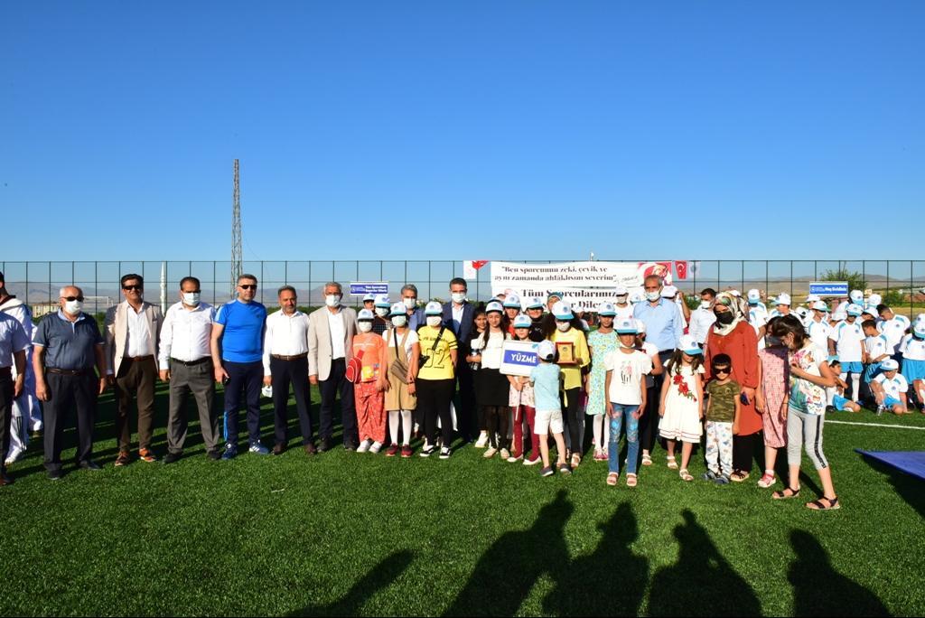 """Vali Baruş, """"Battalgazi'li Gençler Sporla Hayat Buluyor"""" Yaz Spor Kurslarının Açılış Törenine Katıldı"""