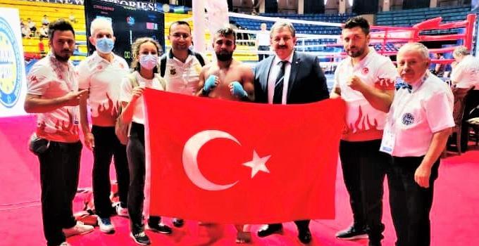Özbekistan'da düzenlenen Uluslararası Kick Boks Şampiyonası'na katılan Öğrencimiz Avrupa Şampiyonu Oldu