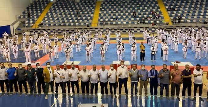 Taekwondo Dan Sınavı Federasyon Başkanı Şahin Katıldı